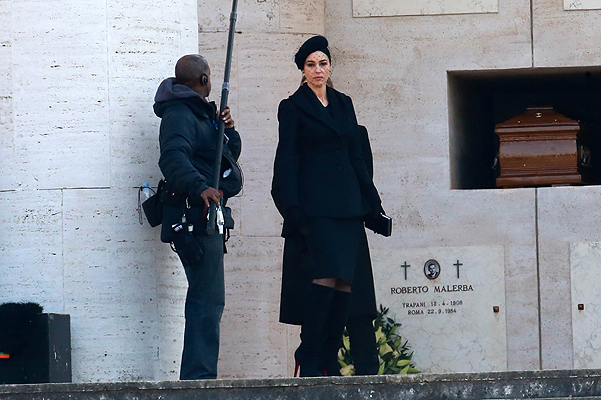 """Моника Белуччи и Дэниэл Крейг на съемках """"Спектра"""" в Риме"""