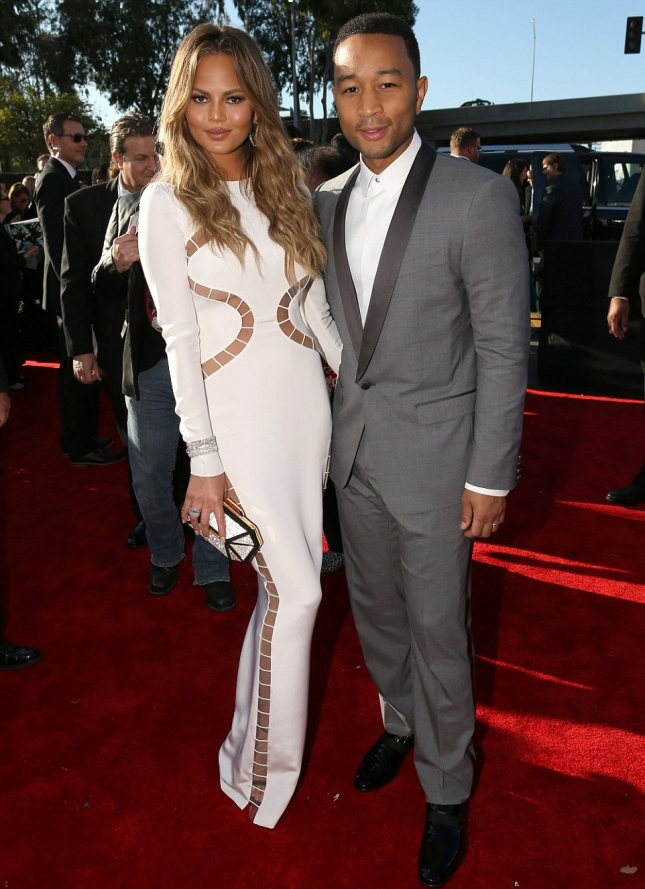 257BEF9900000578-2938468-White_hot_for_Grammy_night_Chrissy_Teigen_who_came_with_husband_-m-132_1423440568506
