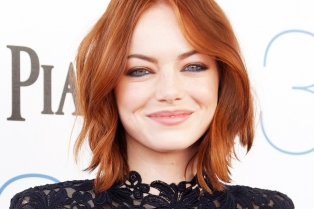 25EC0A2A00000578-2963170-Sheer_daring_Emma_Stone_led_the_the_stars_who_opted_for_much_dar-a-210_1424573606921