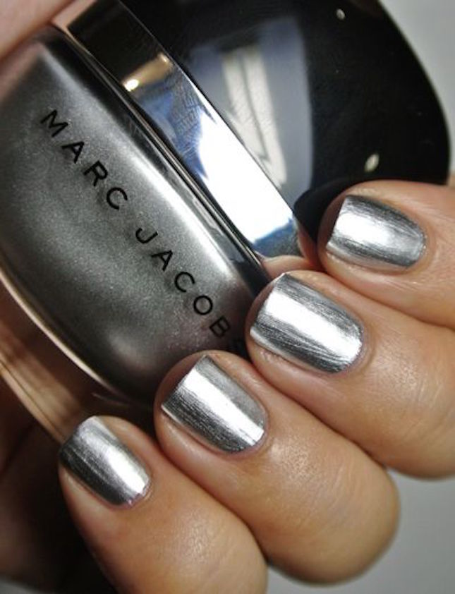 50-shades-grey-beauty-metallic-nails