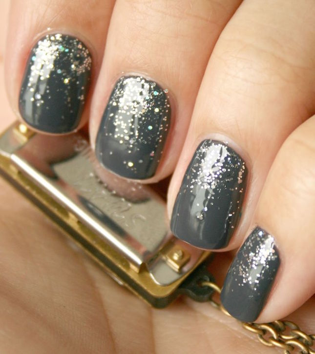 50-shades-grey-glitter-nails