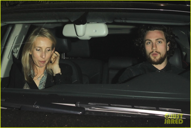 aaron-taylor-johnson-has-seen-fifty-shades-over-1000-times-03