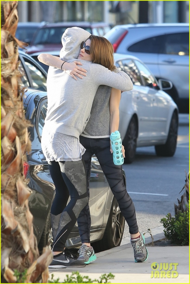 ashley-greene-almost-cried-from-surprise-16
