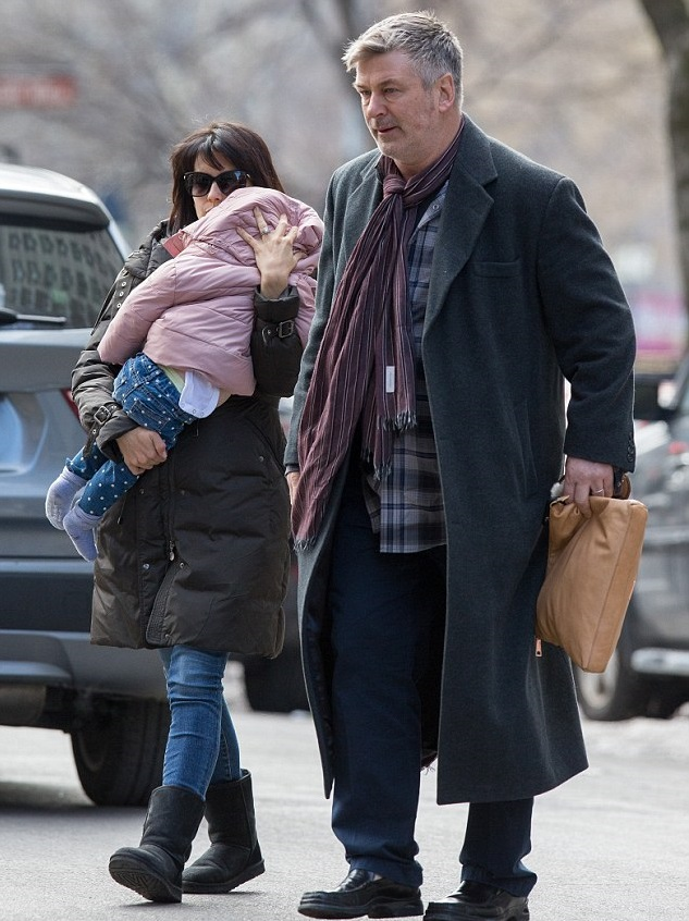 Хилари и Алек Болдуин с дочкой