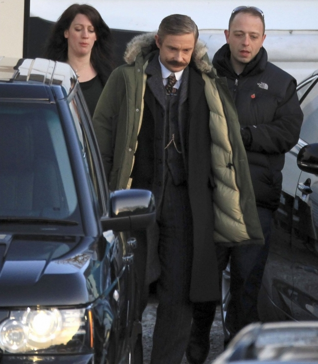 "Бенедикт Камбербэтч и Мартин Фриман на съемках сериала ""Шерлок"""