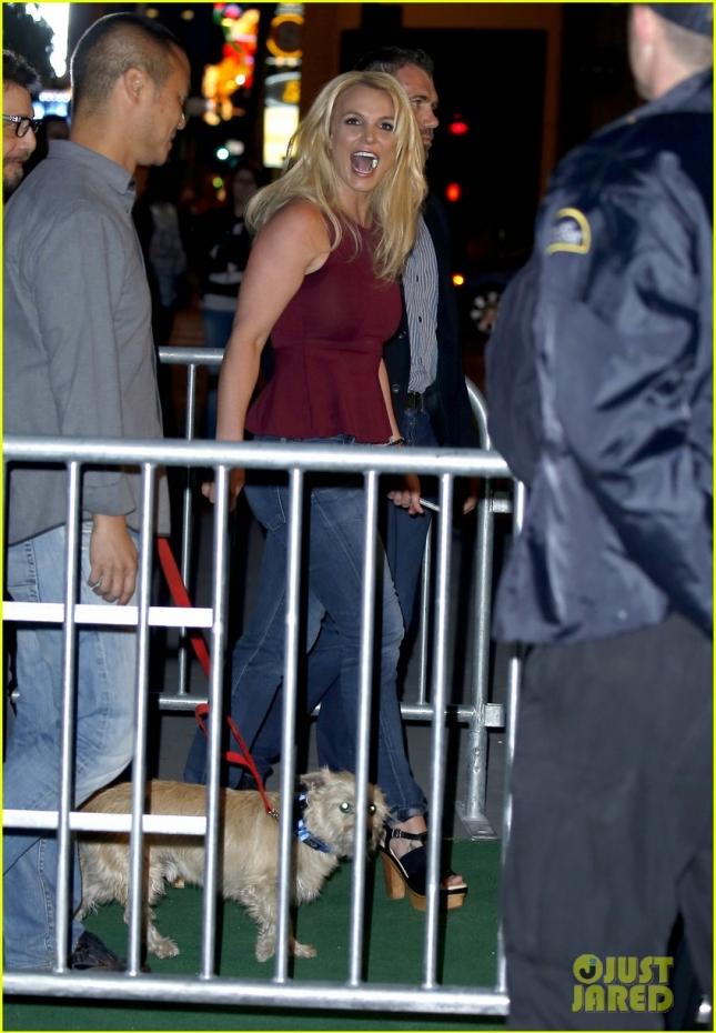 Бритни Спирс посетила благотворительное мероприятие в Вегасе, все средства от проведения которого пойдут на борьбу с раком у детей