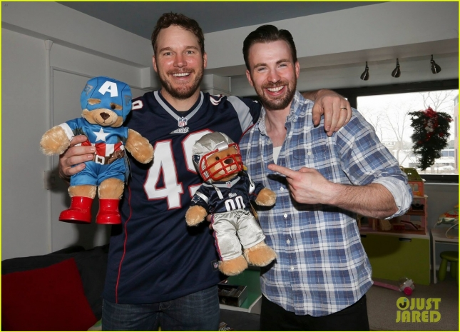 chris-pratt-chris-evans-official-kids-visit-pics-are-amazing-05