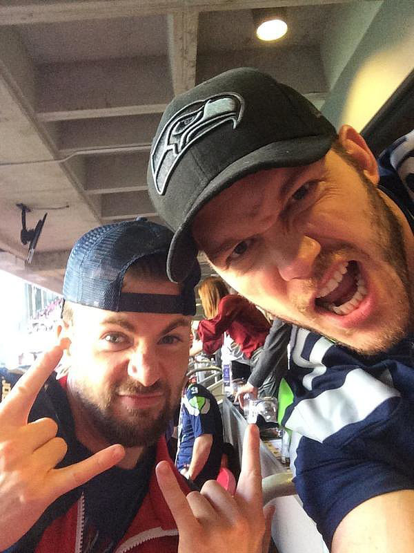 Chris-Pratt-Chris-Evans-watched-game-together