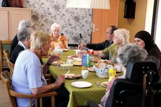 dementia-village-for-elderly-de-hogeweyk-191