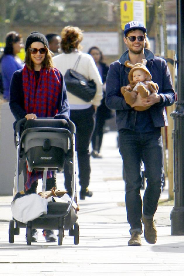 Джейми Дорнан с семьей