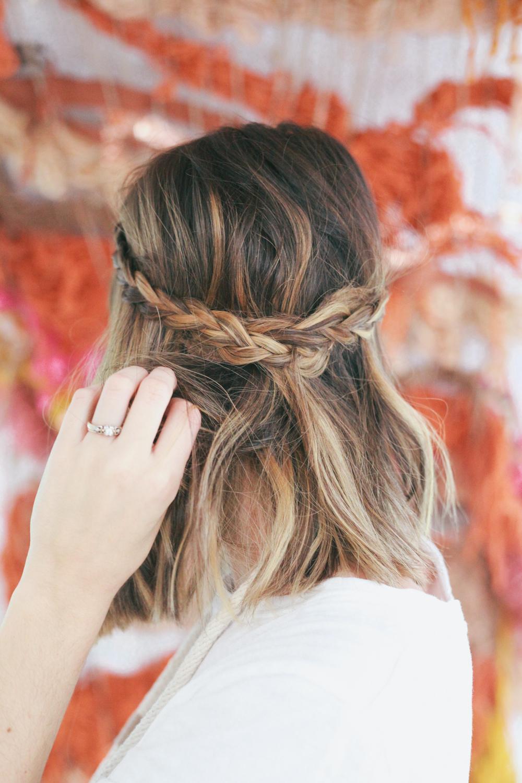 картинки косички на волосах короткие