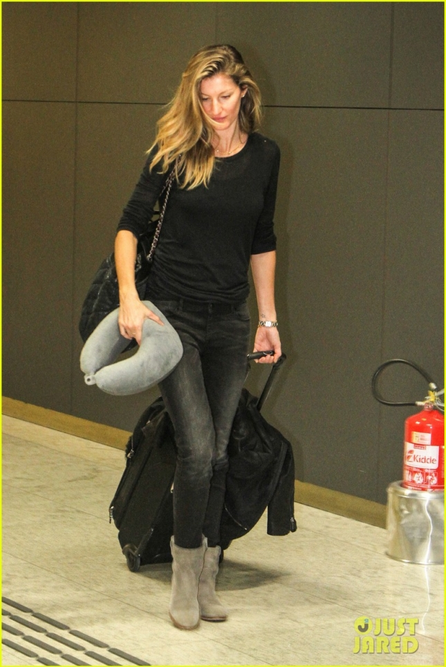 gisele-bundchen-shows-off-secret-talents-03