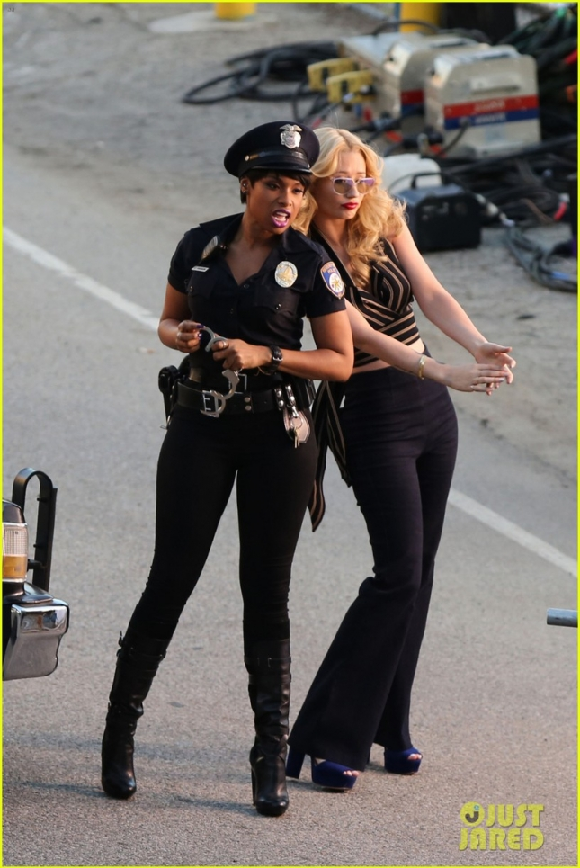 iggy-azalea-arrested-by-jennifer-hudson-03