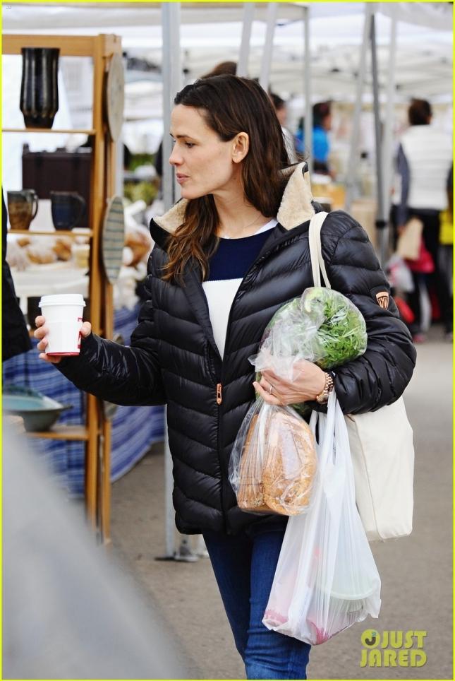 Дженнифер на рынке