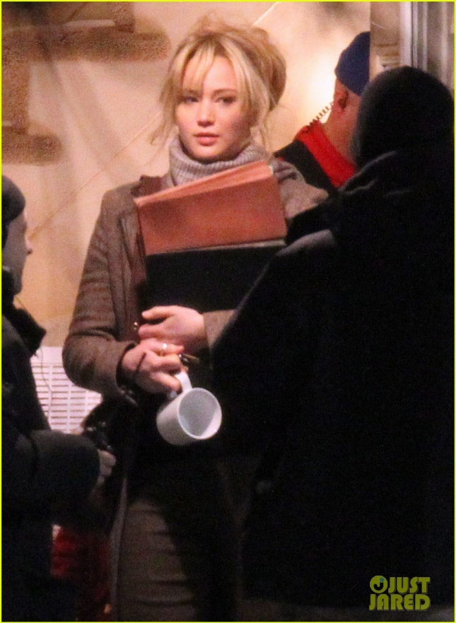 First Look: Jennifer Lawrence On The Set Of 'Joy'
