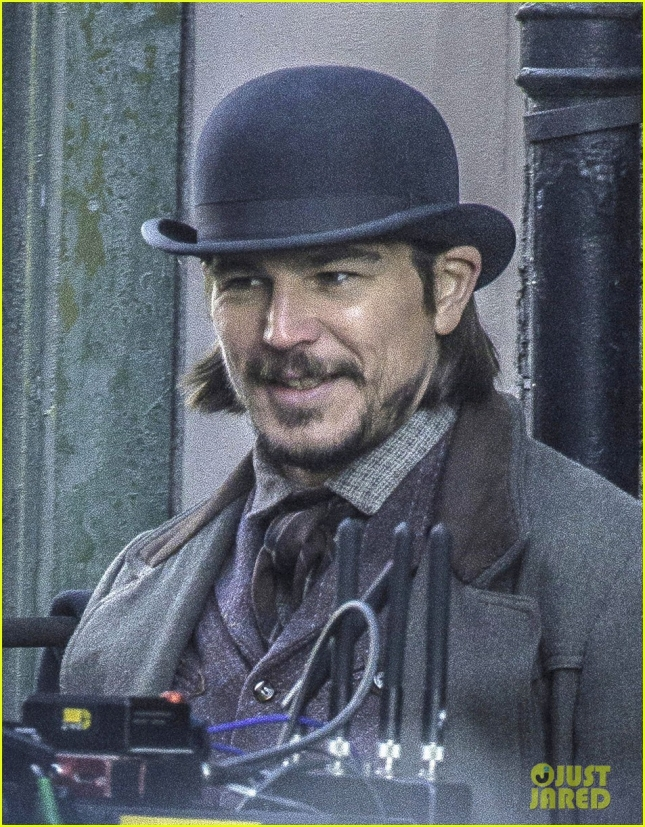 josh-hartnett-filming-penny-dreadful-03