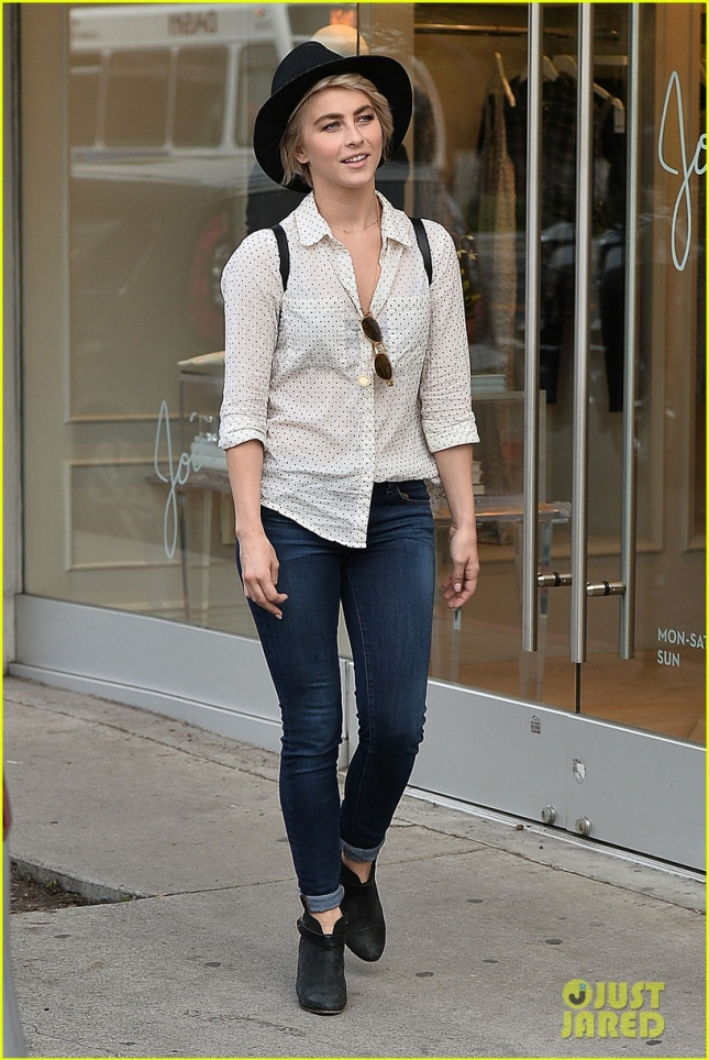 Джулианна Хаф сходила в бутик Marc Jacobs