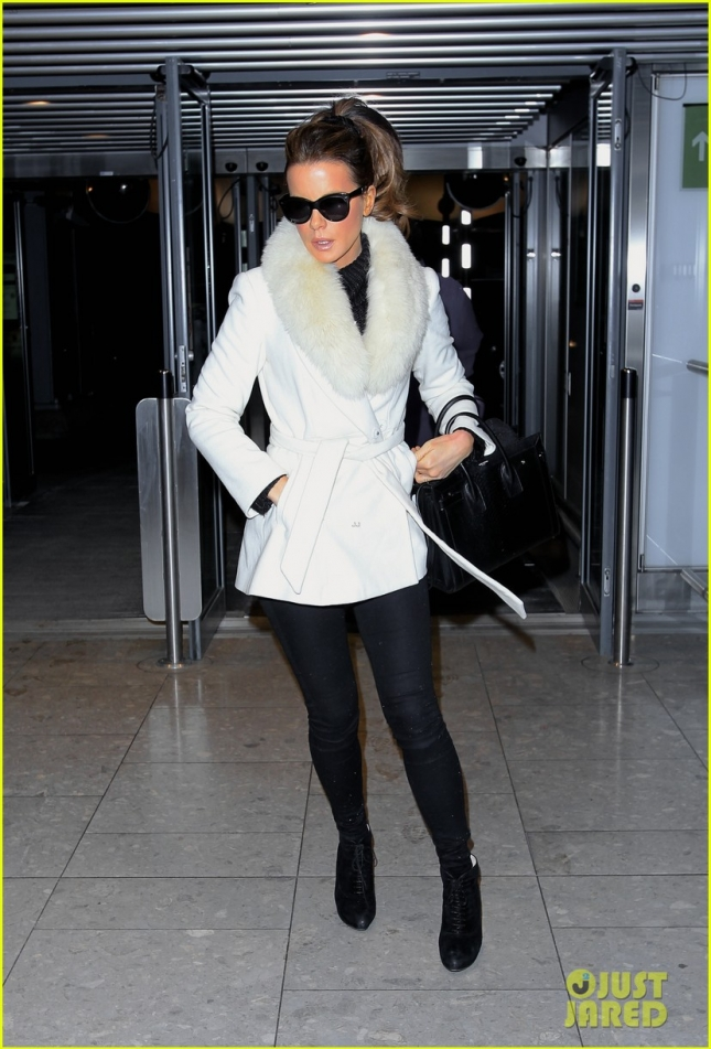 Кейт прибыла в аэропорт Хитроу