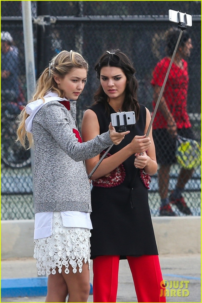 kendall-jenner-gigi-hadid-selfie-stick-photo-shoot-04
