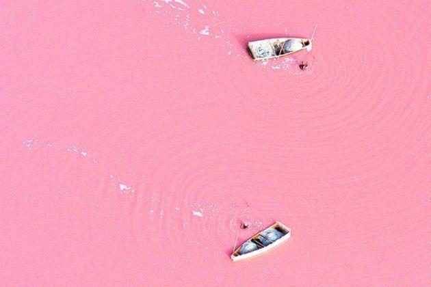 "Озеро Ретба или ""Розовое озеро"""