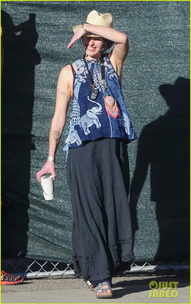 Лена Хиди гуляет по Лос-Анджелесу