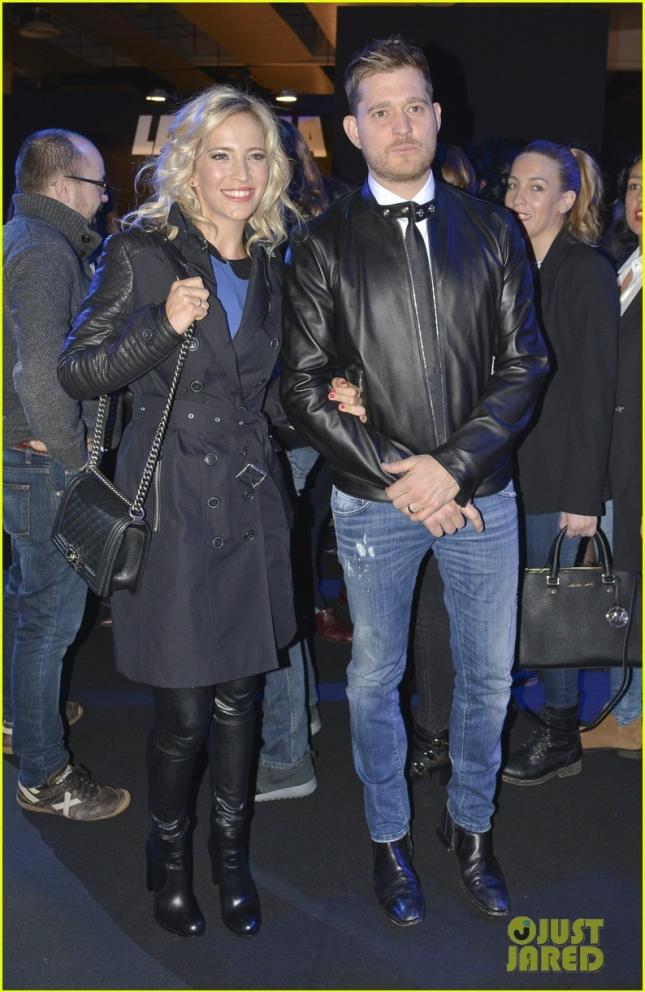 Майкл Бубле и его супругу Луисана Лопилато посетили фэшн-шоу David Delfín в Мадриде