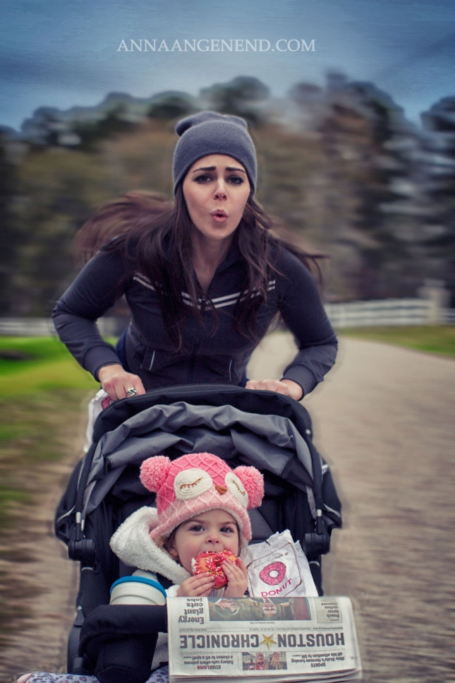 Mom-turns-chaotic-life-with-toddler-into-fun-photo-series.-21__880