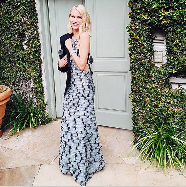 Naomi-Watts-gave-over--shoulder-look-her-way-Oscars