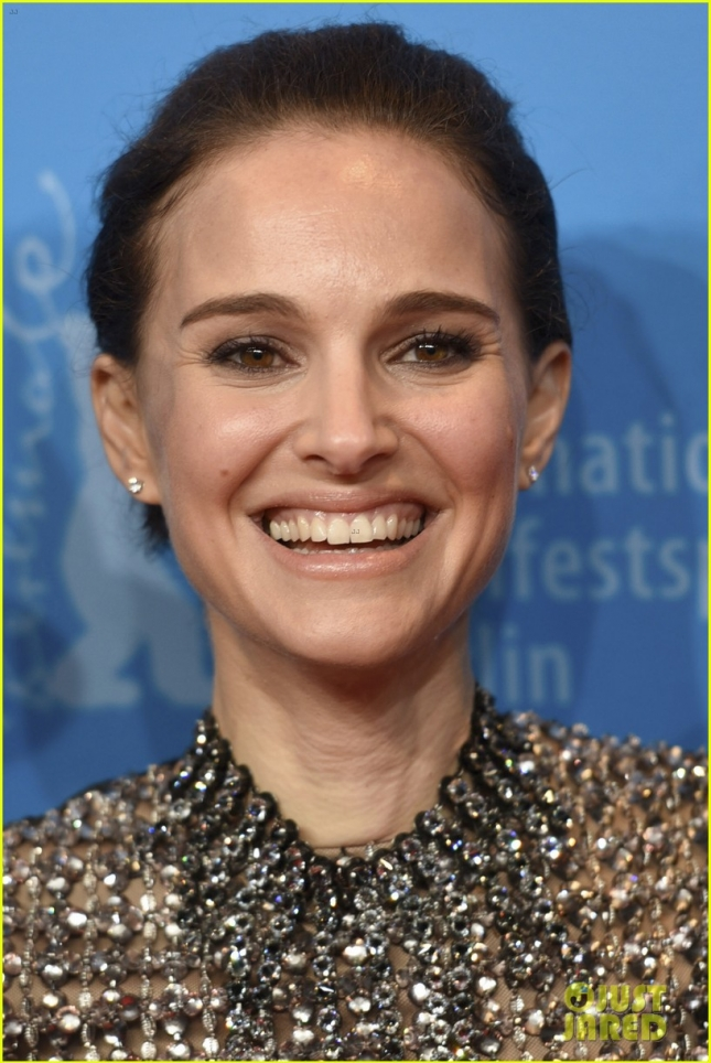 natalie-portman-heats-it-up-seventh-fire-premiere-05