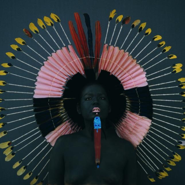 Невеста племени урубу-каапор с традиционным пирсингом, Бразилия
