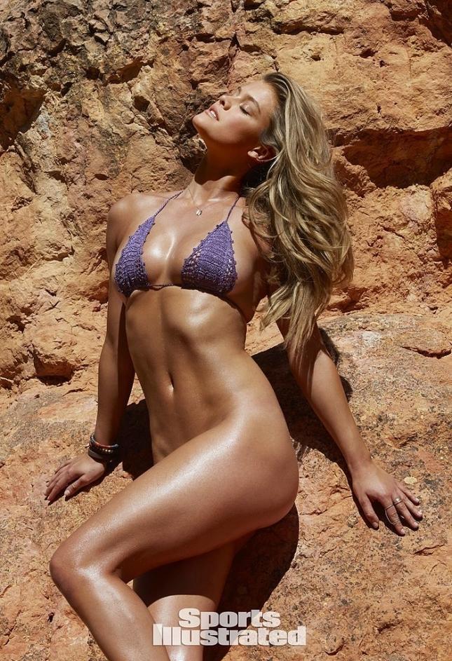 Нина Агдал для Swimsuit 2015