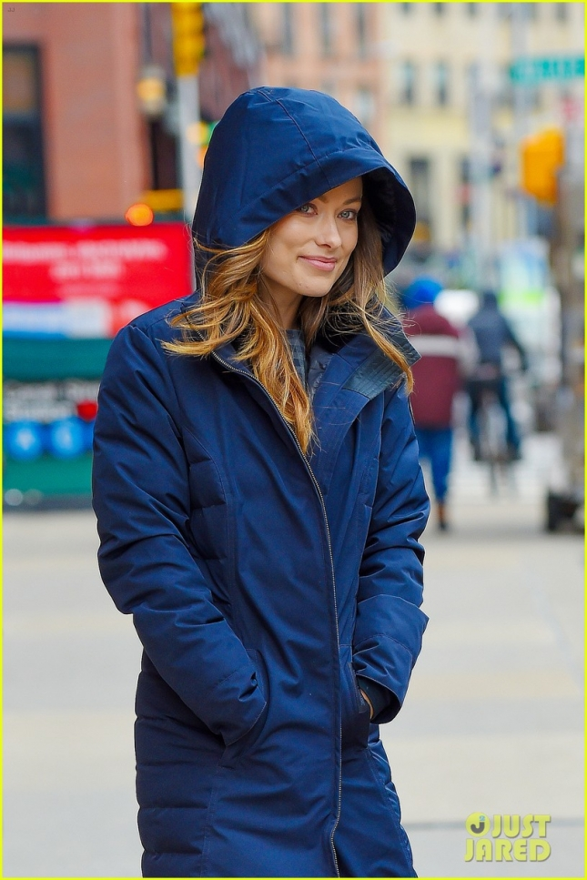 Olivia Wilde shows of her baby blue eyes after a visit to Z100 radio show