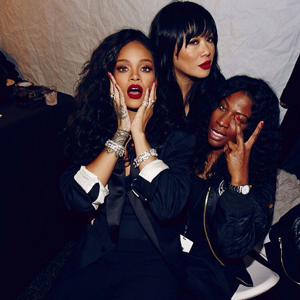 Rihanna-got-together-some-pals-party