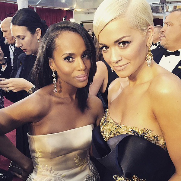 Rita-Ora-really-excited-take-photo-Kerry-Washington