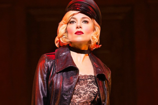 sienna-miller-is-super-sexy-in-first-cabaret-broadway-photos-04