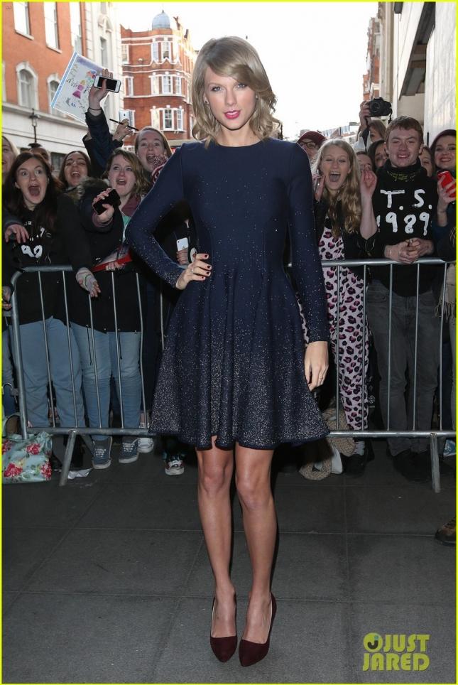Тейлор Свифт посетила студию BBC Radio 1