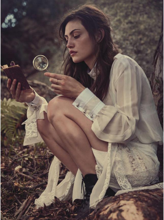 Тереза Палмер и Фиби Тонкин в фотосессии для Vogue Австралия