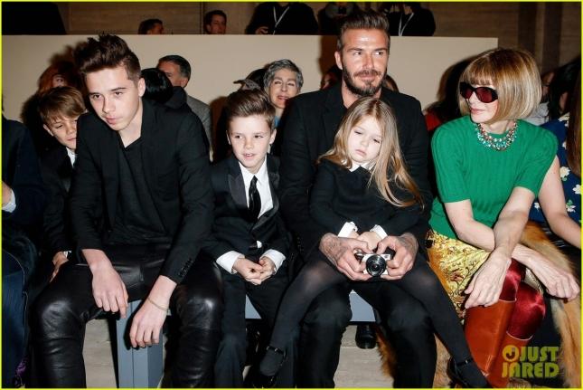 Семейство Бекхэм на показе Victoria Beckham