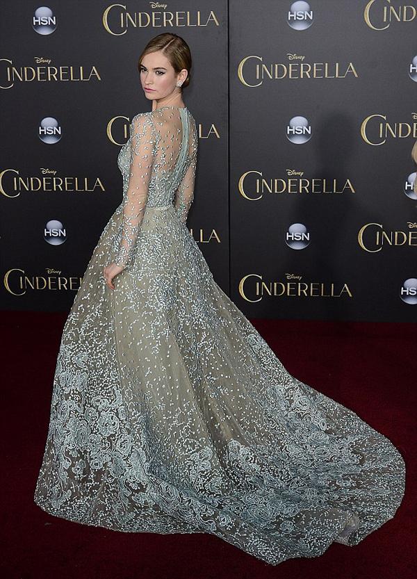 Лили Джеймс в платье от Elie Saab