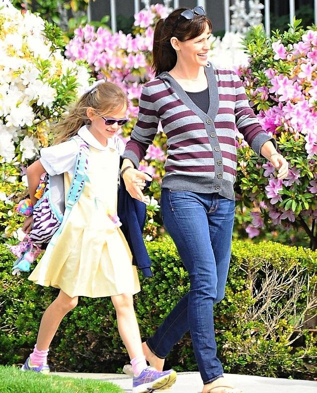 Дженнифер Гарнер со старшей дочкой