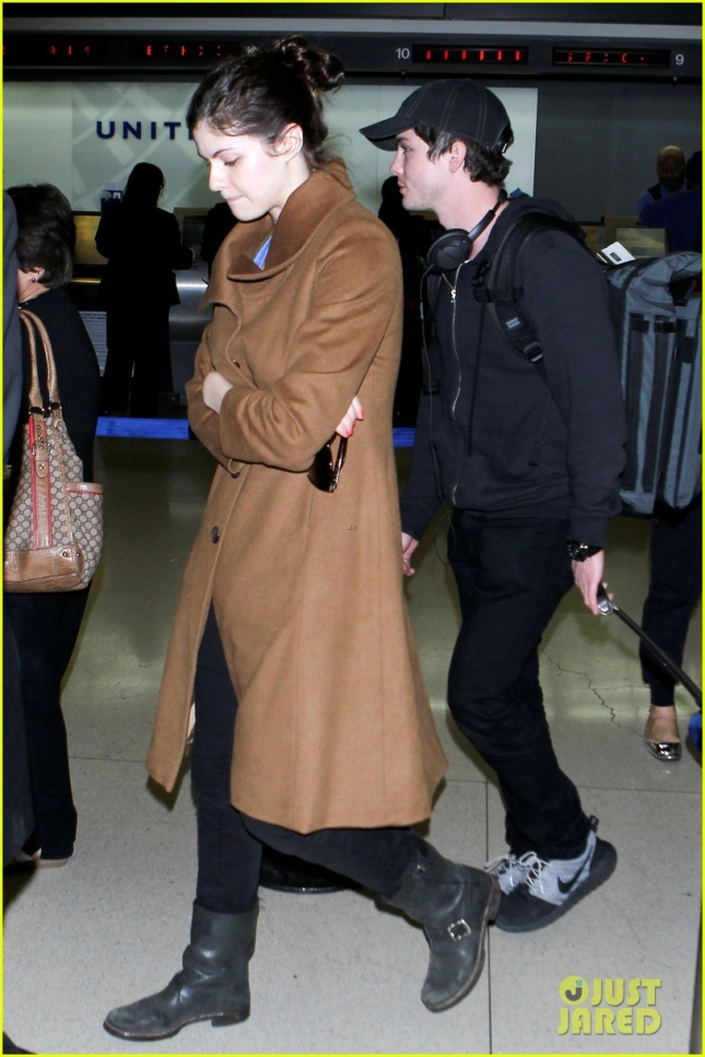 alexandra-daddario-logan-lerman-land-at-lax-together-03