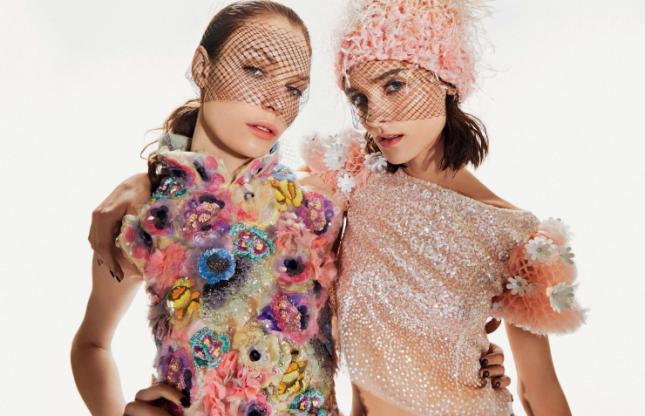 Александра Мартынова и Каролина Талер в фотосессии Elle Италия, апрель 2015