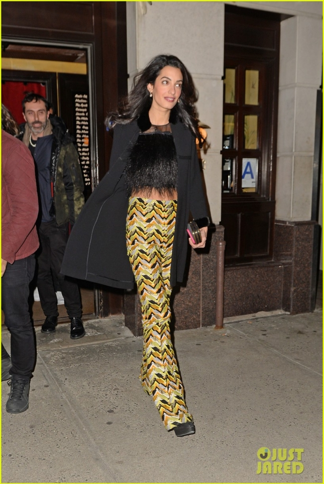 amal-clooney-shows-a-hint-of-tummy-in-crop-top-09