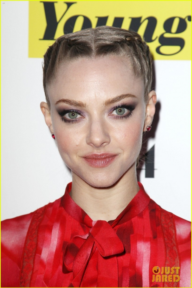 amanda-seyfried-while-were-young-premiere-13
