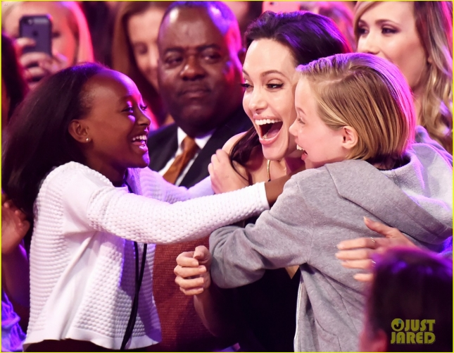 angelina-jolies-kids-have-best-reaction-to-kcas-win-01