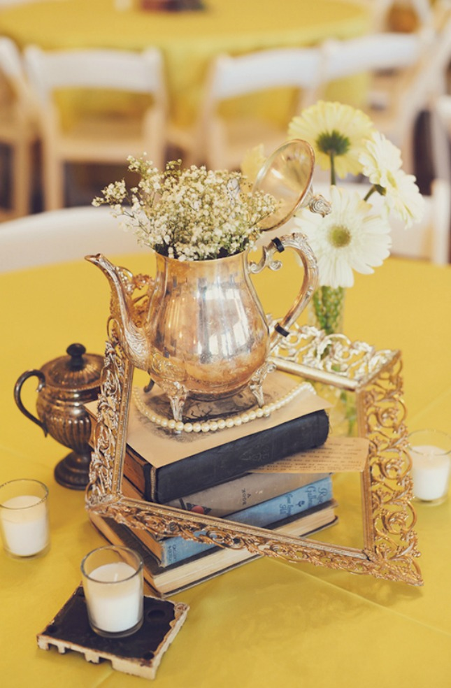 Belle-Teapot-Centerpiece