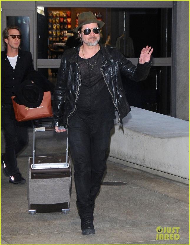 Брэд Питт в аэропорту LAX