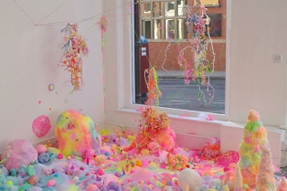 candy-floor-installation-pin-and-pop-tanya-schultz-81