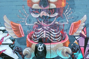 character-animal-dissection-street-art-nychos-16