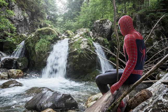 Человек-паук в печали
